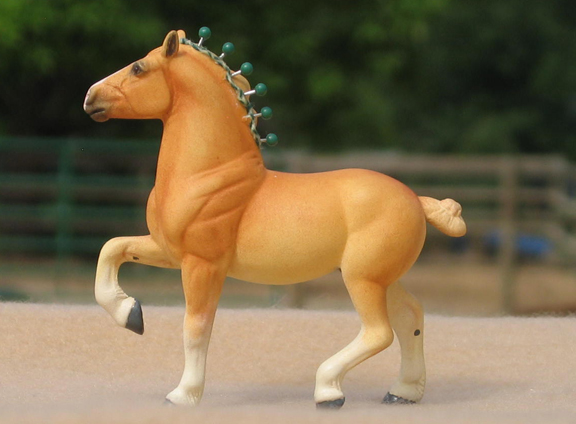 custom mini model horse by Sarah Tregay (drafter)