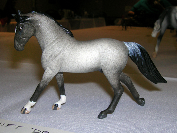 custom mini model horse by Sarah Tregay (roan wb)