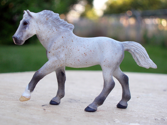 custom mini model horse by Sarah Tregay (micro mini)