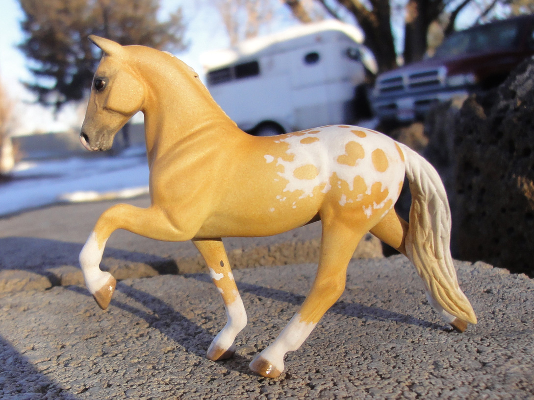 custom mini model horse by Sarah Tregay (Breyer Stablemate)