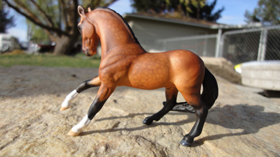 cm mini model horse by Sarah Tregay