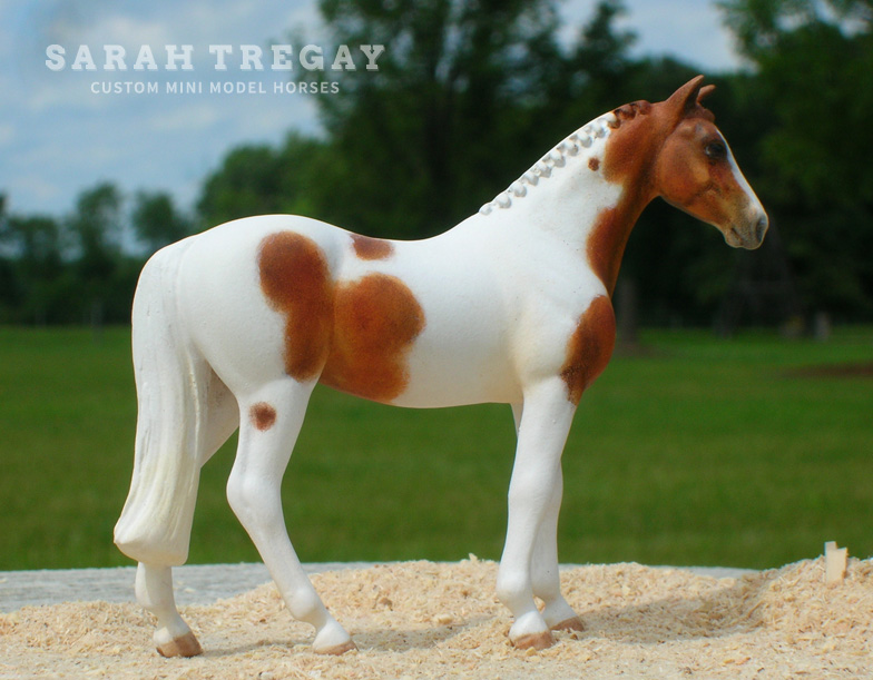 Custom mini model horse by Sarah Tregay