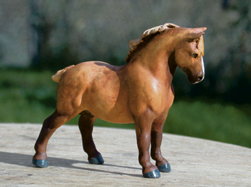 custom mini model horse by Sarah Tregay (suffolk punch)